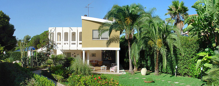 Villa 25 - Home Holidays by the sea